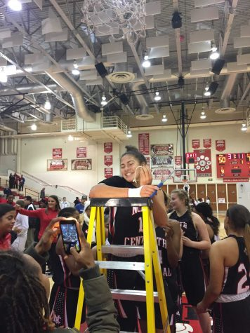 Undefeated Girls Basketball Team Prepares for Sectionals