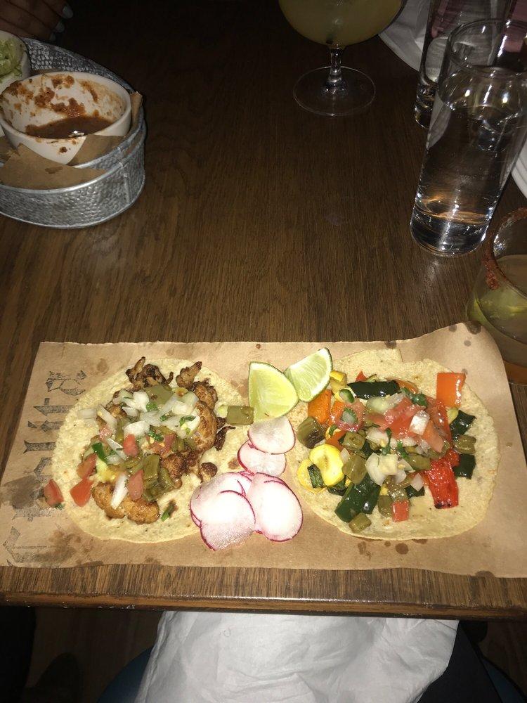 Restaurant Review: Cholita Tacos