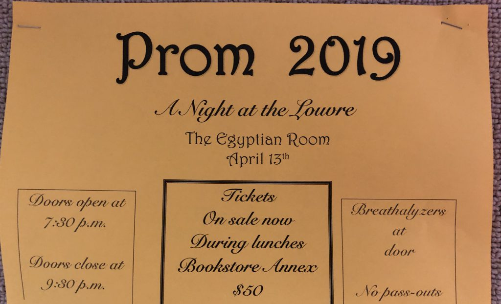 Students+Prepare+For+Prom